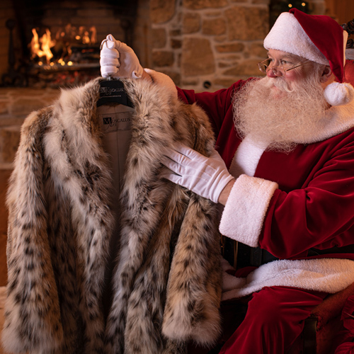 santa with Muscalus fur coat